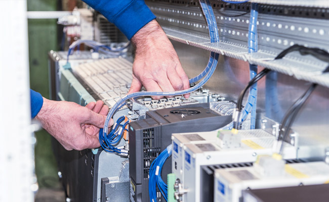 EDM Technik GmbH, Modernisierungen von Werkzeugmaschinen, Dörries Produktion, Anbau Elektroausrüstung
