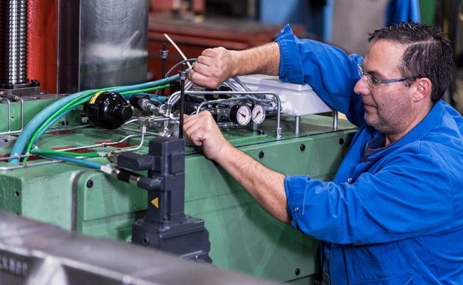 EDM Technik GmbH, Wartung von Werkzeugmaschinen, Montage
