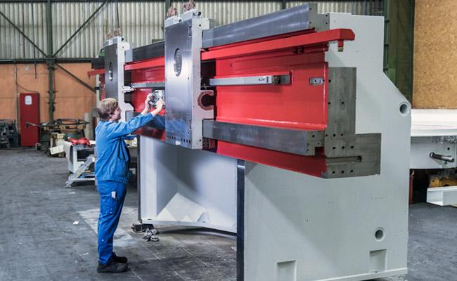 edm-technik-werkshalle-maschinenbau-maschinen-modernisierung-slider1